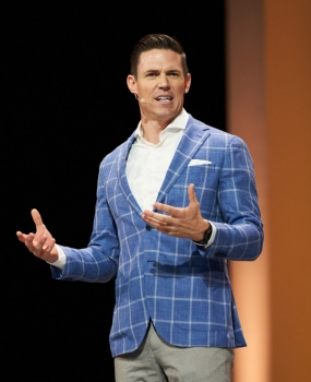 Ryan Napierski speaking at the 2018 Nu Skin Americas Convention.